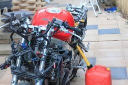 VFR750 in bits