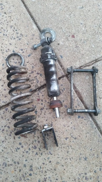 Suzuki SV650 broken rear shock
